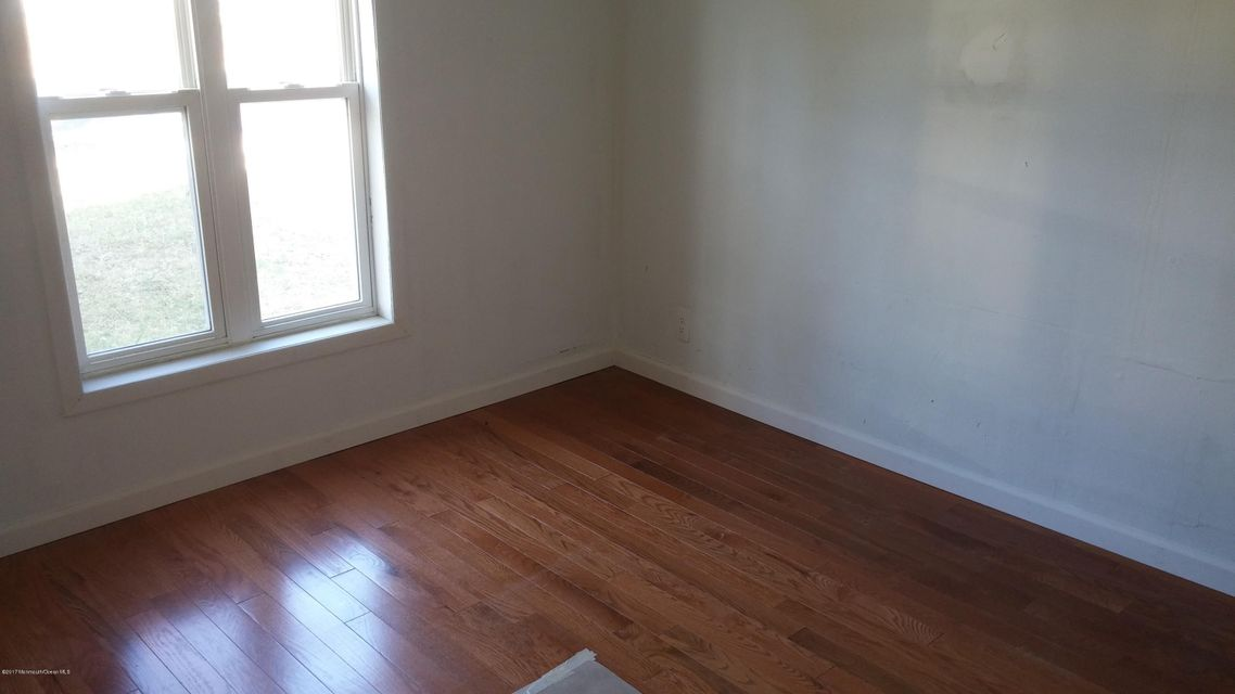 Additional photo for property listing at 374 Main Street  Barnegat, New Jersey 08005 United States