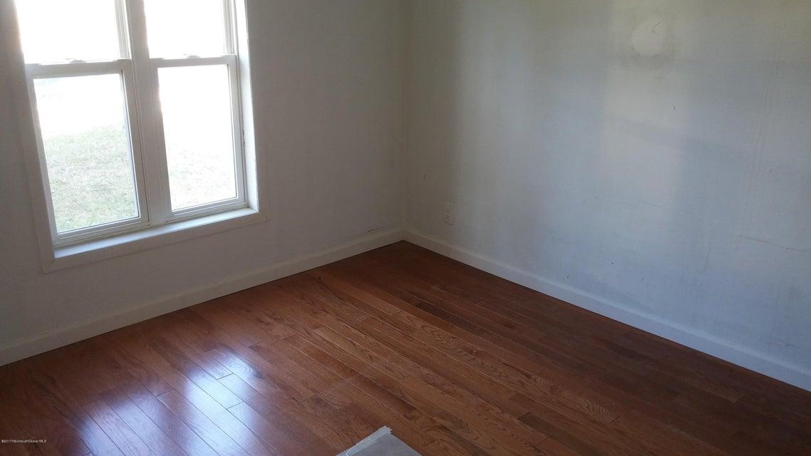 Additional photo for property listing at 374 Main Street  Barnegat, Nueva Jersey 08005 Estados Unidos