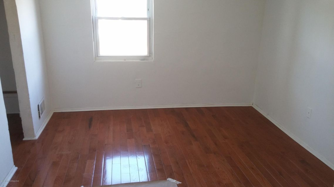 Additional photo for property listing at 374 Main Street  Barnegat, New Jersey 08005 États-Unis