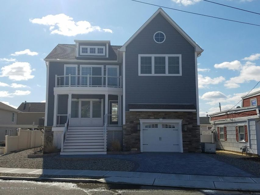 Single Family Home for Rent at 453 Biscayne Court Lavallette, New Jersey 08735 United States