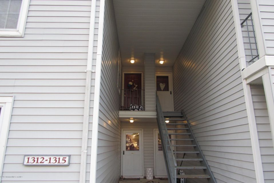 Additional photo for property listing at 1314 Waters Edge Drive  Toms River, New Jersey 08753 États-Unis
