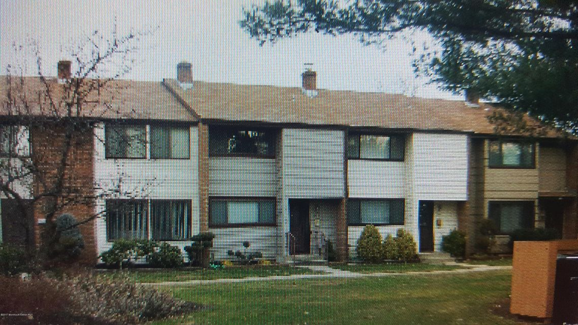 Single Family Home for Sale at 944 Jamestown Road East Windsor, New Jersey 08520 United States