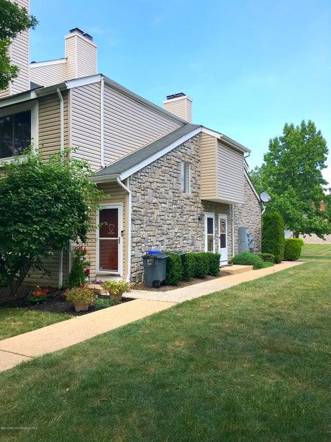 Condominio por un Alquiler en 37 Farnham Square Parlin, Nueva Jersey 08859 Estados Unidos