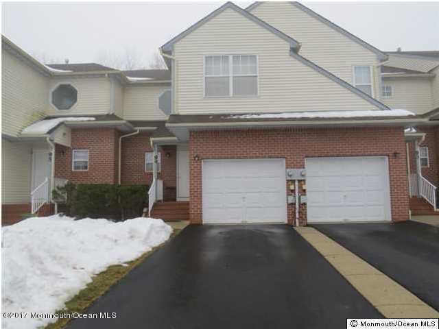 Appartement en copropriété pour l à louer à 94 Drew Court Manalapan, New Jersey 07726 États-Unis