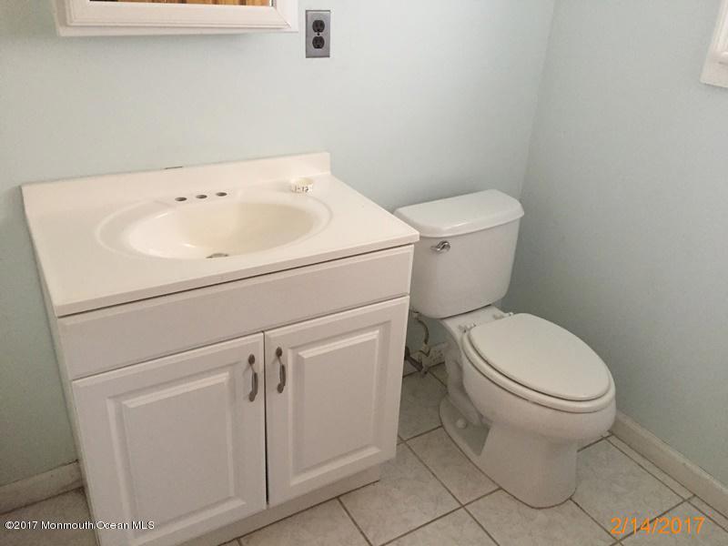 独户住宅 为 销售 在 37 Homestead Lane Roosevelt, 新泽西州 08555 美国