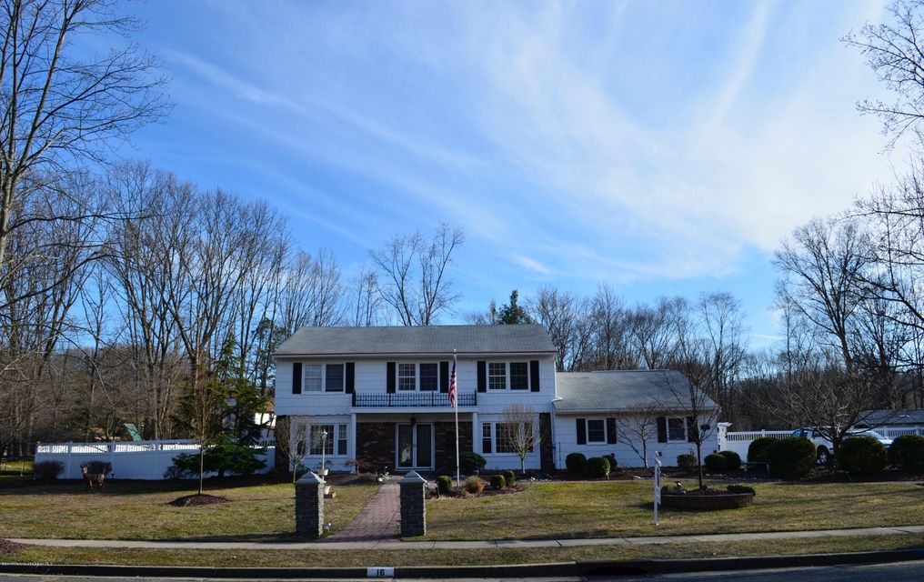 Additional photo for property listing at 16 Lori Street  Monroe, New Jersey 08831 États-Unis