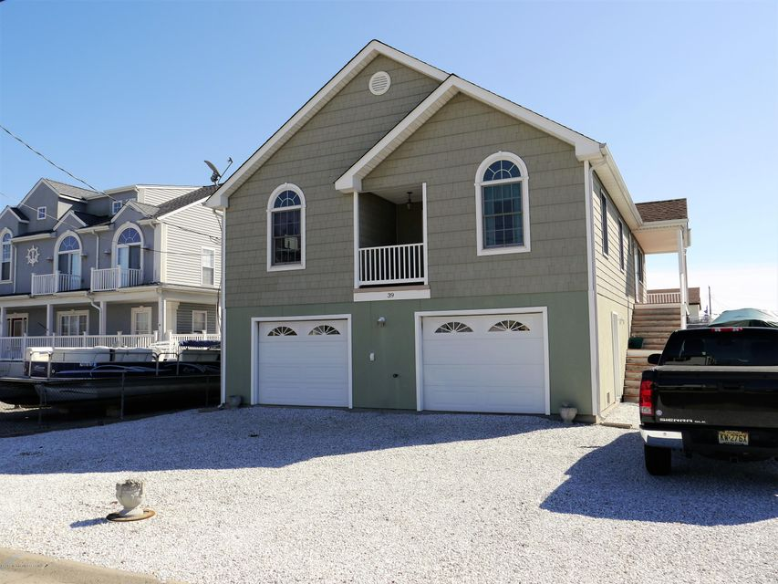 独户住宅 为 销售 在 39 Tarpon Road Tuckerton, 08087 美国
