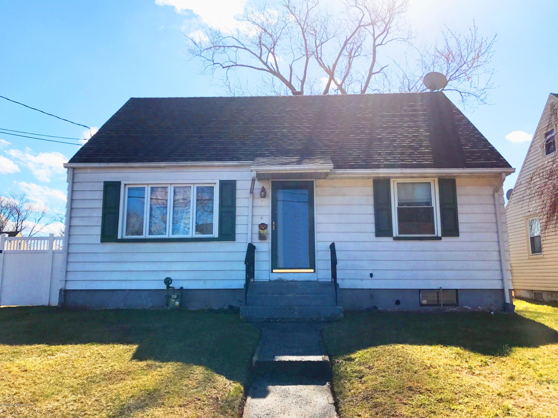 Maison unifamiliale pour l Vente à 55 Warner Street Fords, New Jersey 08863 États-Unis