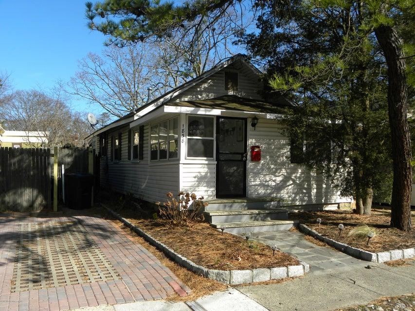 独户住宅 为 出租 在 1838 Briarwood Terrace 科摩湖, 新泽西州 07719 美国
