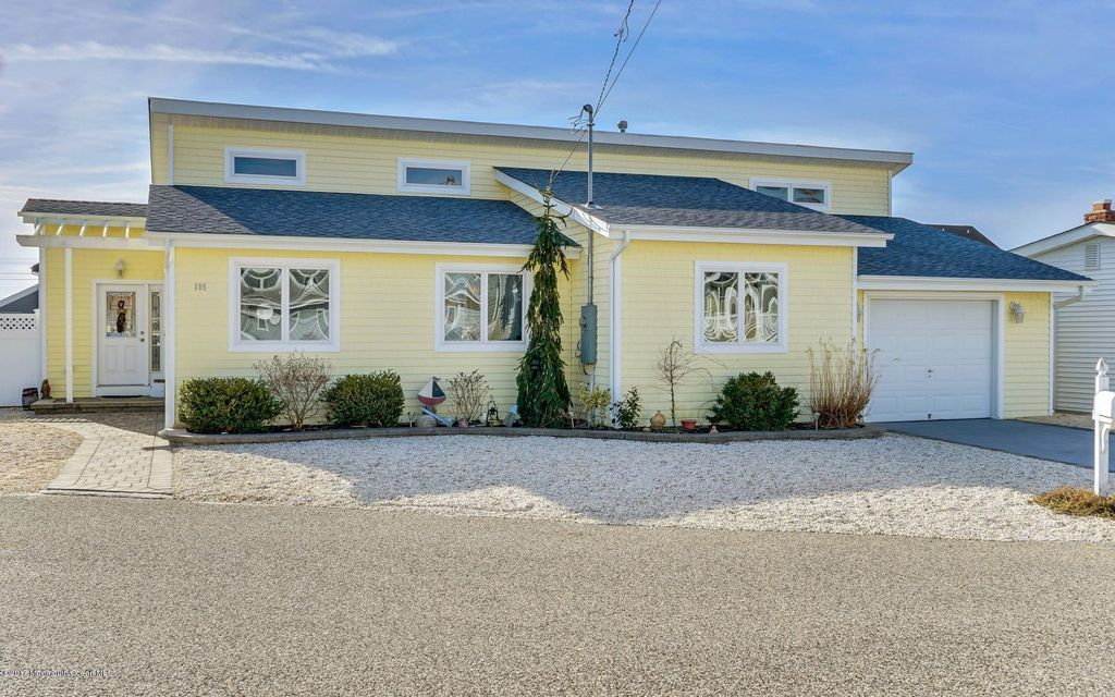 Single Family Home for Sale at 105 Beverly Lane Beach Haven West, 08050 United States