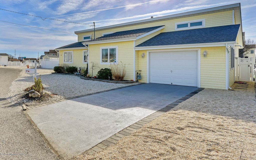 Additional photo for property listing at 105 Beverly Lane  Beach Haven West, New Jersey 08050 United States
