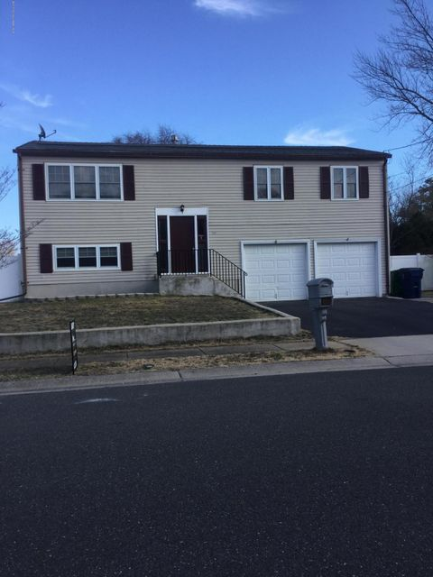 Single Family Home for Sale at 24 Lakeview Drive South Toms River, New Jersey 08757 United States