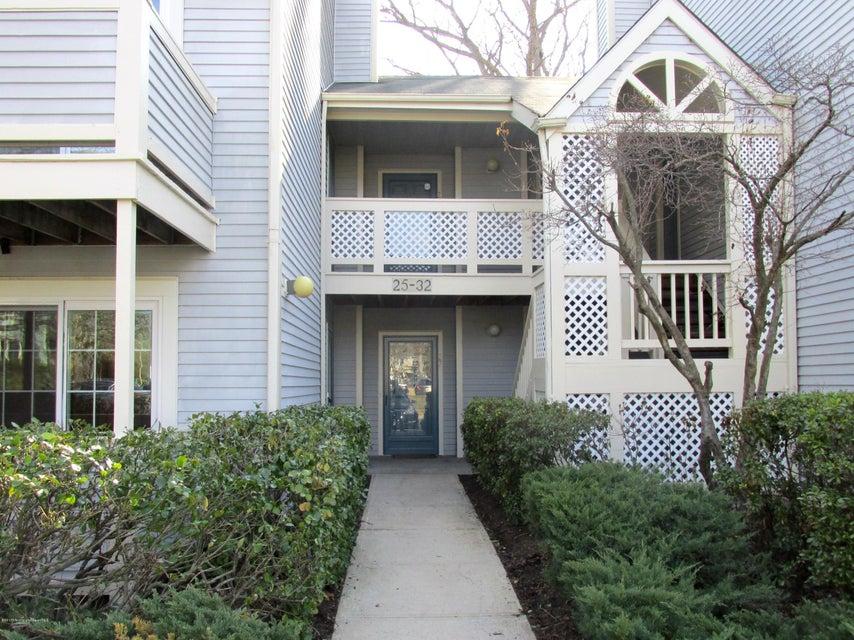 Condominio por un Alquiler en 30 Chinkaberry Court Howell, Nueva Jersey 07731 Estados Unidos