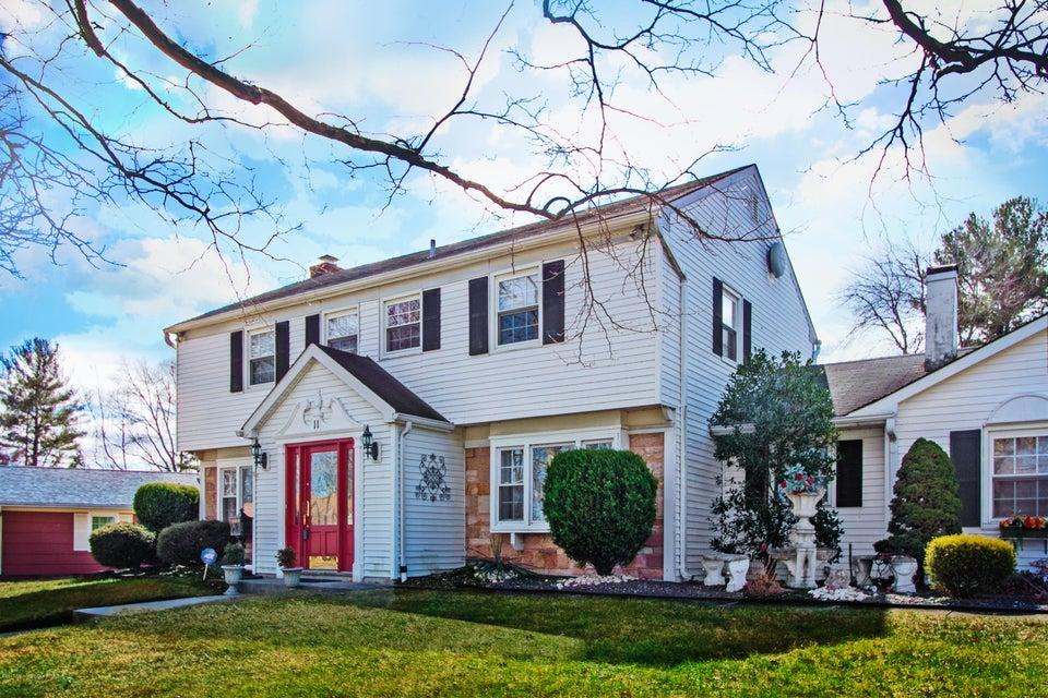 独户住宅 为 销售 在 11 Mistletoe Drive Matawan, 07747 美国