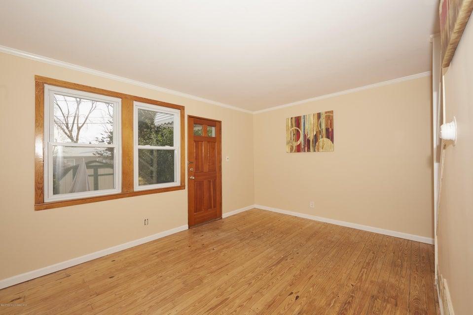 独户住宅 为 销售 在 23 Belshaw Avenue Shrewsbury Township, 新泽西州 07724 美国