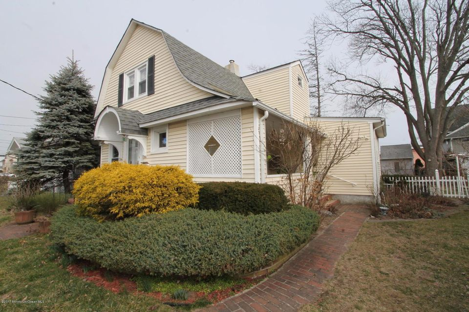 Single Family Home for Sale at 112 Main Street Avon By The Sea, New Jersey 07717 United States
