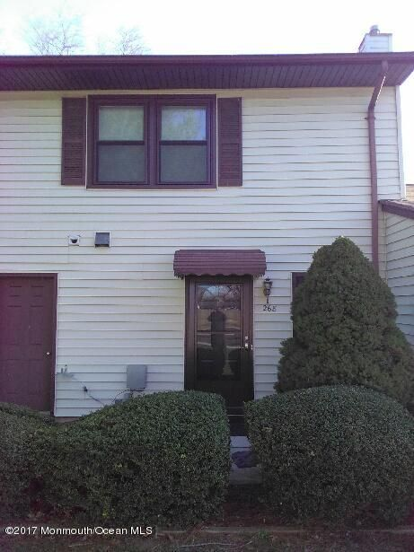 Maison unifamiliale pour l Vente à 268 Crawford Street Shrewsbury Township, New Jersey 07724 États-Unis
