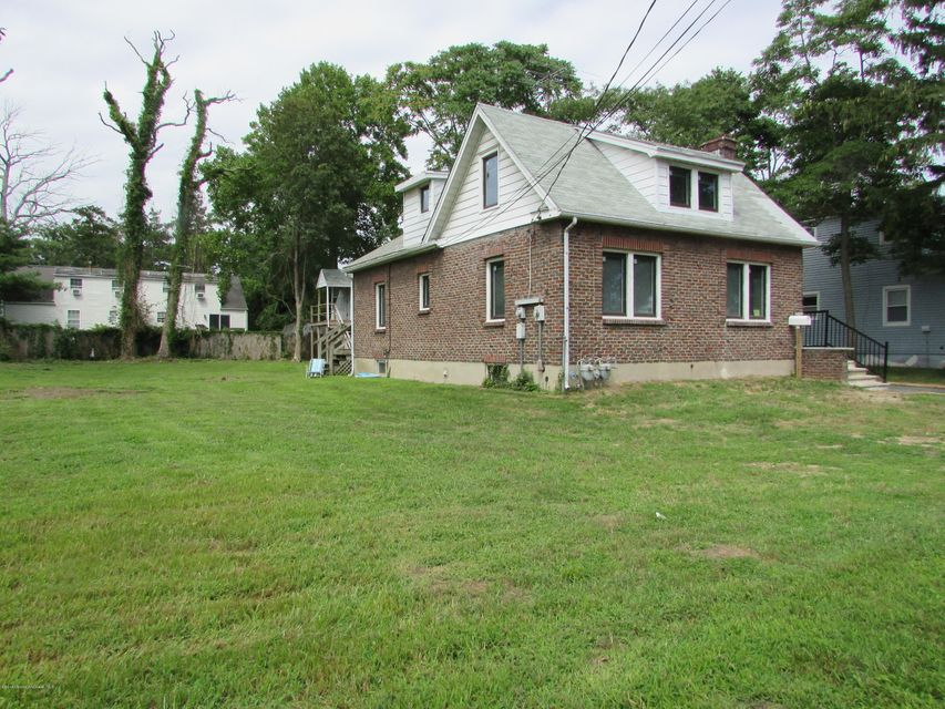 Single Family Home for Rent at 245 Roosevelt Avenue Oakhurst, New Jersey 07755 United States