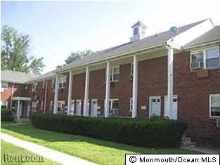 公寓 为 出租 在 20 Academy Street 法明代尔, 新泽西州 07727 美国