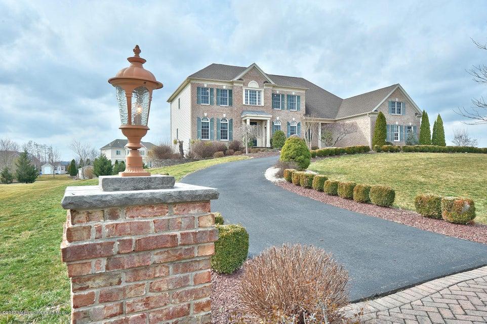 独户住宅 为 销售 在 18 Fairway Drive Cream Ridge, 08514 美国