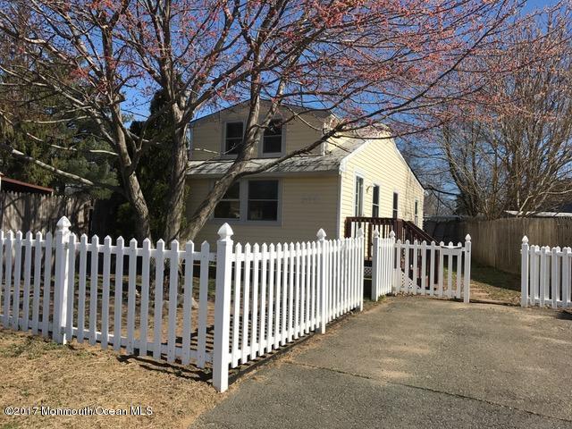 Casa Unifamiliar por un Venta en 308 Marz Way Cliffwood Beach, Nueva Jersey 07735 Estados Unidos