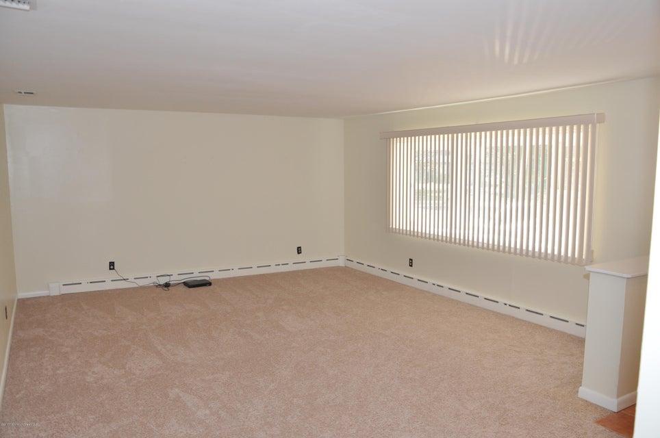 Maison unifamiliale pour l Vente à 331 Black Oak Ridge Road Wayne, New Jersey 07470 États-Unis