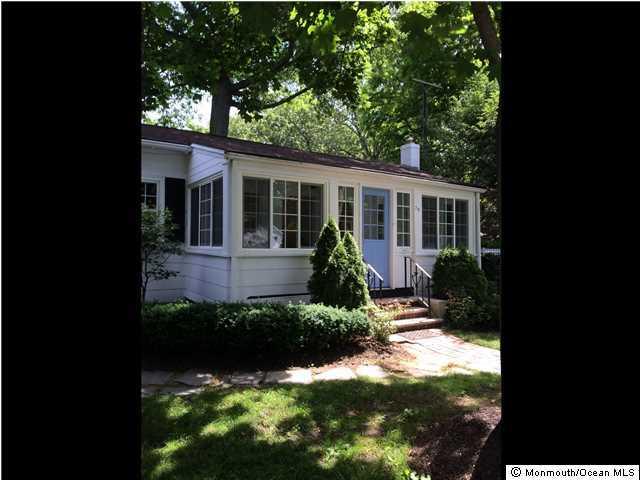 Maison unifamiliale pour l à louer à 79 Kemp Avenue Fair Haven, New Jersey 07704 États-Unis