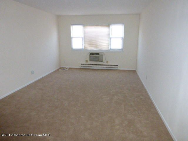 Additional photo for property listing at 210 5th Avenue  Belmar, New Jersey 07719 États-Unis