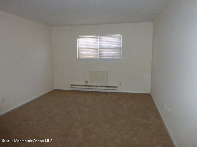 Additional photo for property listing at 210 5th Avenue  Belmar, Nueva Jersey 07719 Estados Unidos