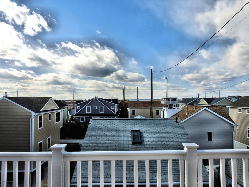 Additional photo for property listing at 104 Beach Way  Lavallette, New Jersey 08735 United States