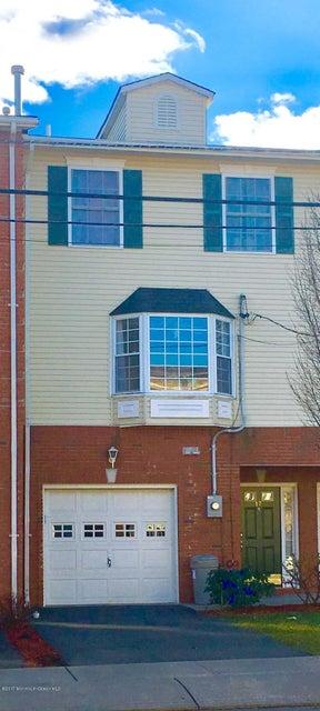 Casa Unifamiliar por un Venta en 17 Hancox Avenue Nutley, Nueva Jersey 07110 Estados Unidos
