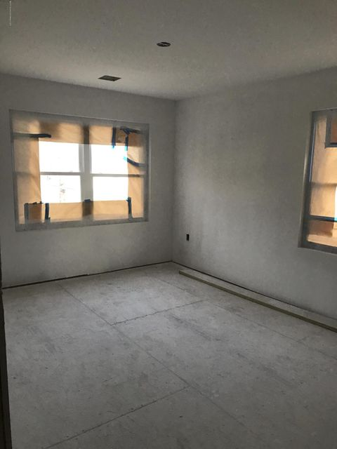 Additional photo for property listing at 232 Tyler Street  South Amboy, New Jersey 08879 États-Unis