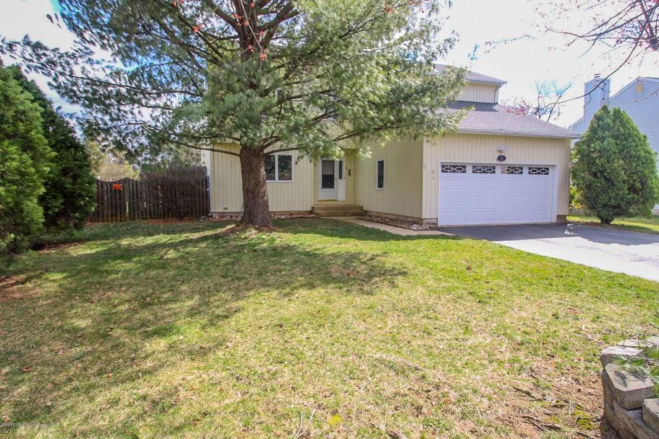 独户住宅 为 销售 在 11 Pullman Loop Dayton, 新泽西州 08810 美国