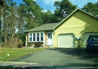 独户住宅 为 销售 在 4 Graystone Place Whiting, 新泽西州 08759 美国