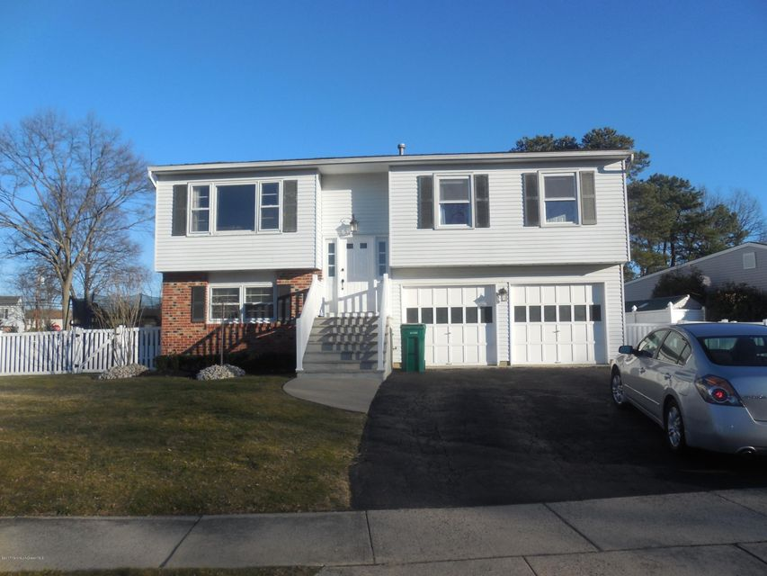 Single Family Home for Rent at 17 Wisteria Place Howell, New Jersey 07731 United States