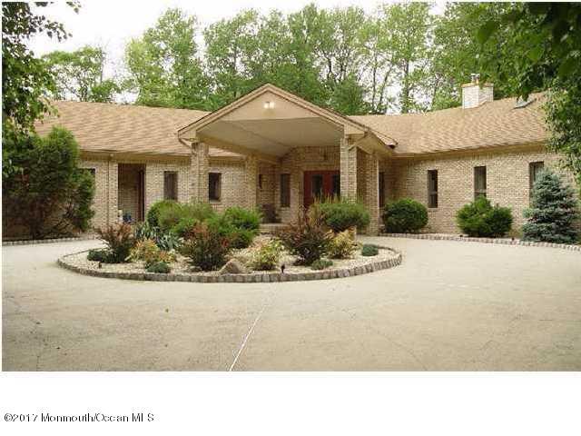Casa Unifamiliar por un Venta en 3 Princess Court Perrineville, Nueva Jersey 08535 Estados Unidos