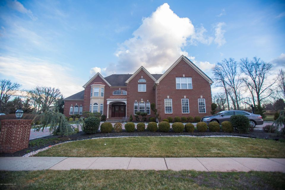 Single Family Home for Sale at 32 Valley Wood Drive Franklin Park, New Jersey 08823 United States