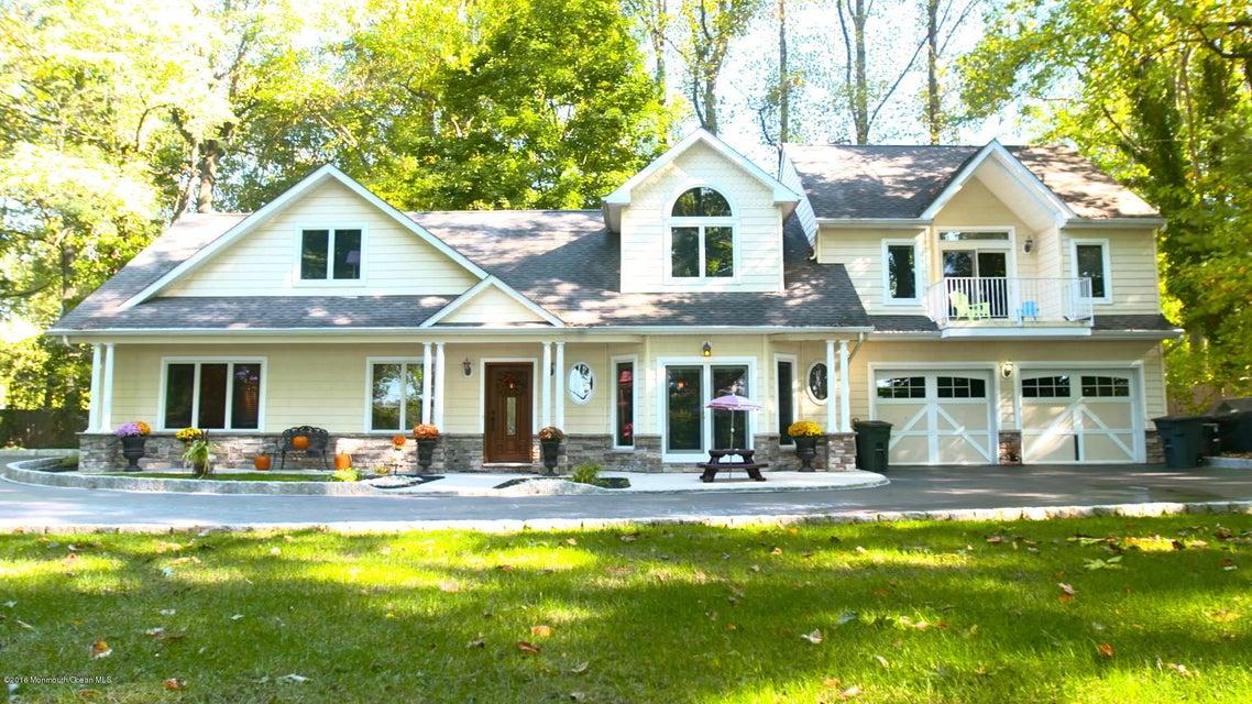 Maison unifamiliale pour l à louer à 65 Phalanx Road Lincroft, New Jersey 07738 États-Unis