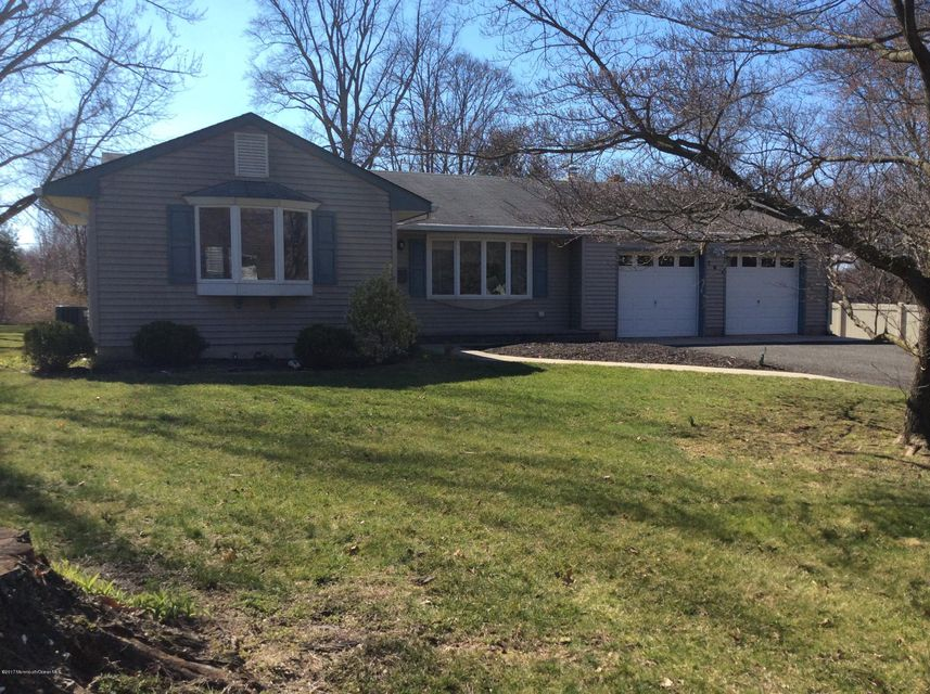 Single Family Home for Sale at 741 Hopping Road Belford, 07718 United States