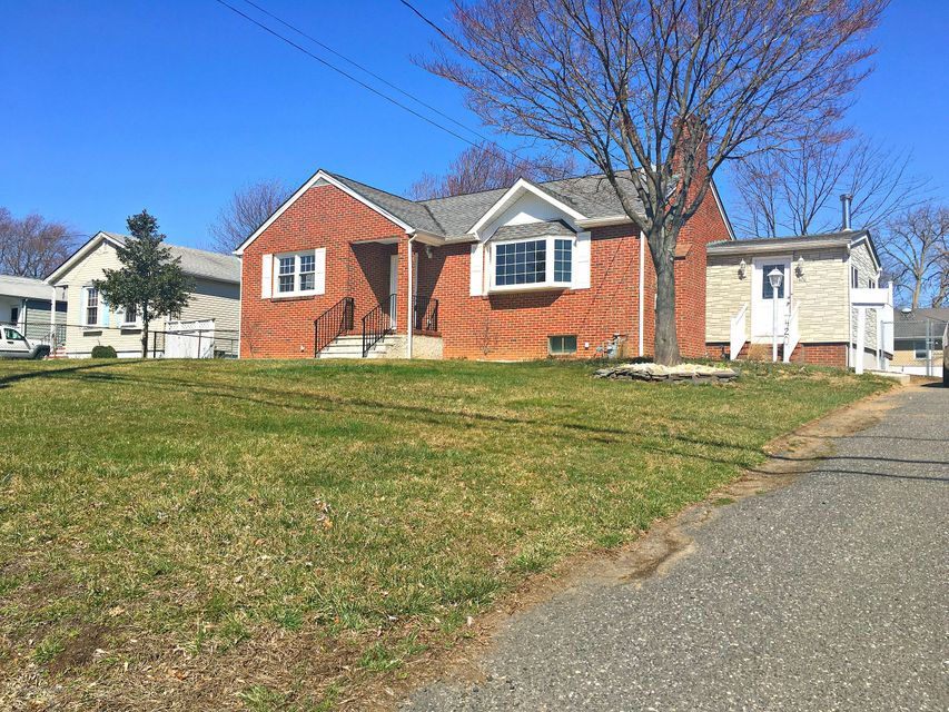 Single Family Home for Rent at 420 Amboy Avenue Keyport, 07735 United States