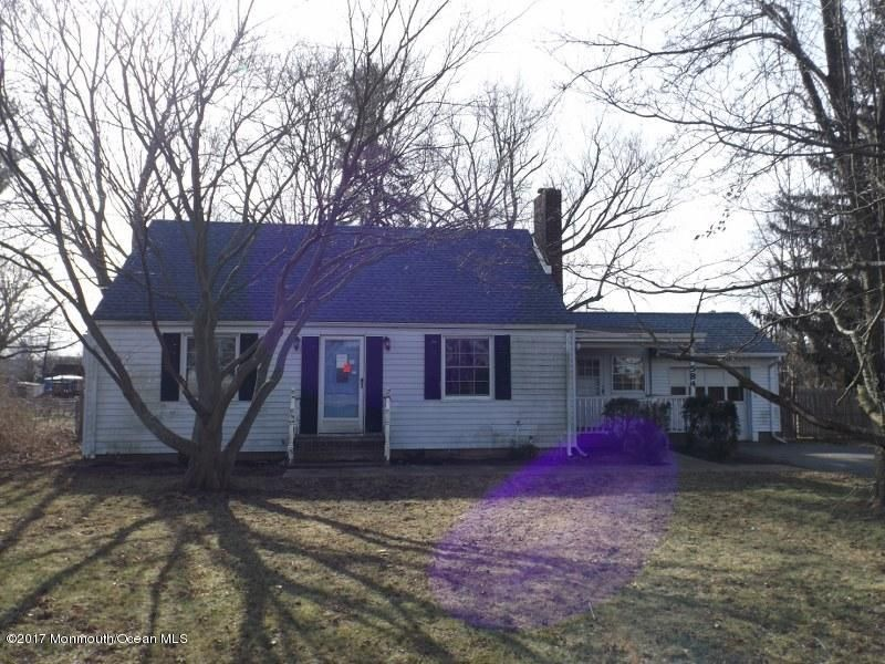 Additional photo for property listing at 584 Colts Neck Road  Freehold, Nueva Jersey 07728 Estados Unidos