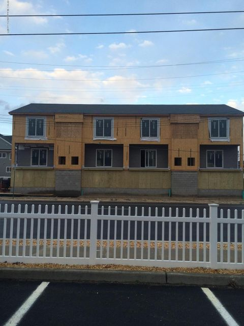 Additional photo for property listing at 1826 Route 35  Ortley Beach, New Jersey 08751 États-Unis