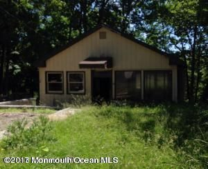 Single Family Home for Sale at 51 Roosevelt Trail Hopatcong, New Jersey 07843 United States