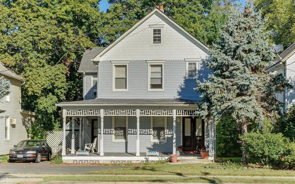 Maison unifamiliale pour l Vente à 452 Main Street Spotswood, New Jersey 08884 États-Unis