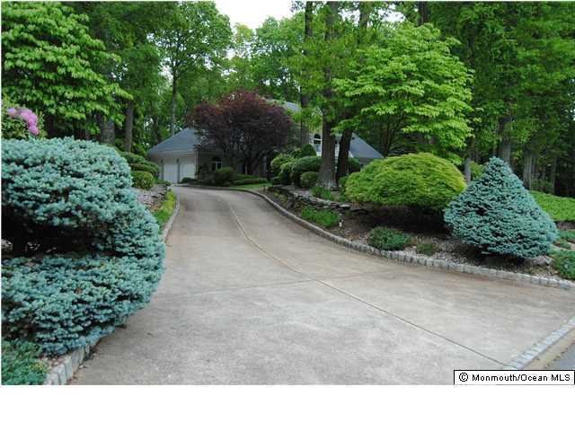 独户住宅 为 出租 在 120 Sandalwood Drive 万宝路, 新泽西州 07746 美国