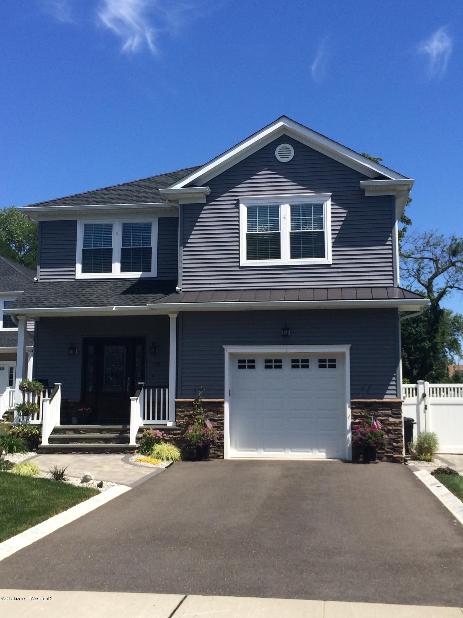 Casa Unifamiliar por un Alquiler en 50 Maple Avenue Little Silver, Nueva Jersey 07739 Estados Unidos