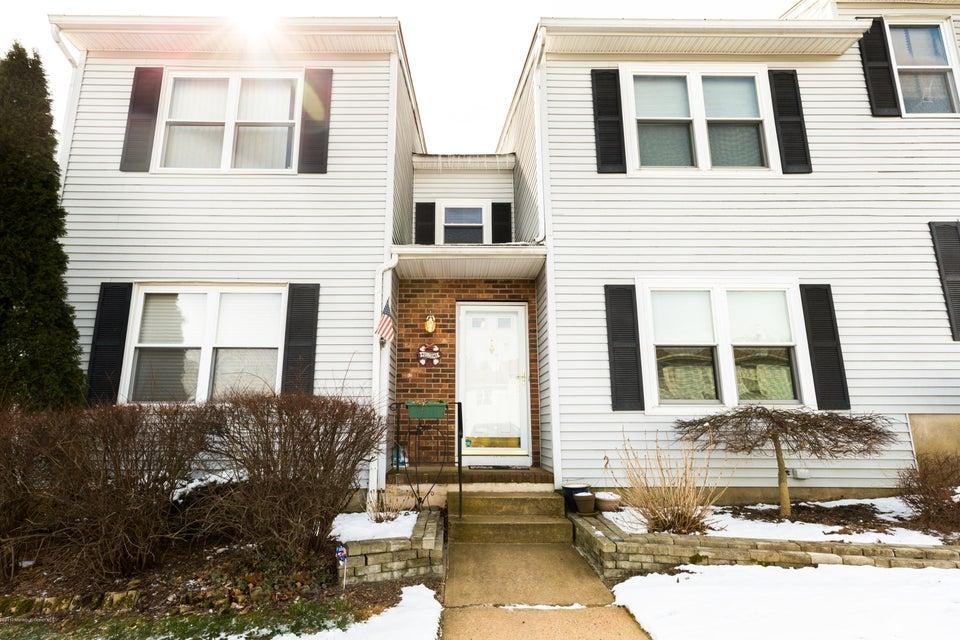 独户住宅 为 销售 在 40 Dogwood Court Jamesburg, 08831 美国
