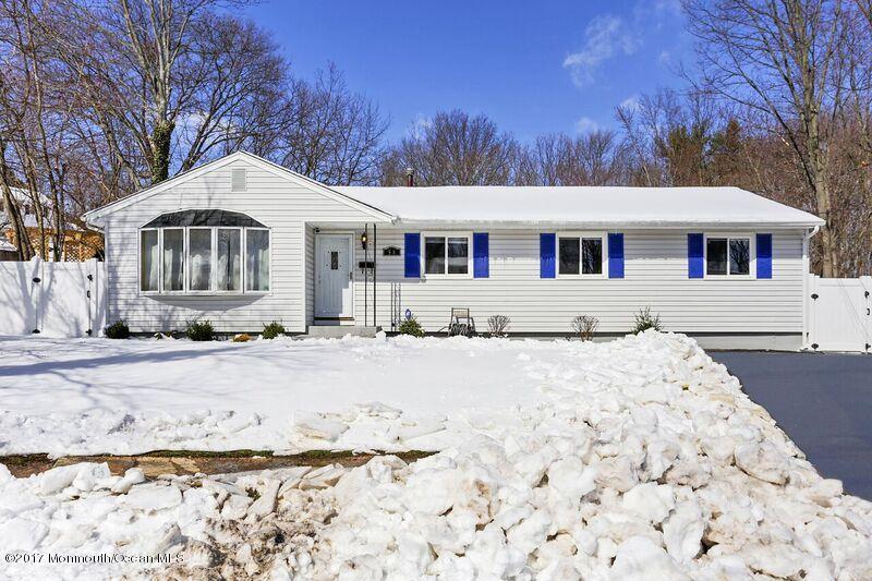 独户住宅 为 销售 在 58 Pine Avenue South Amboy, 08879 美国