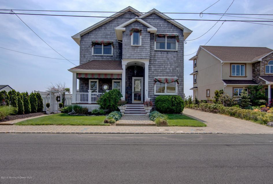 Maison unifamiliale pour l Vente à 515 Sunset Drive Seaside Heights, New Jersey 08751 États-Unis