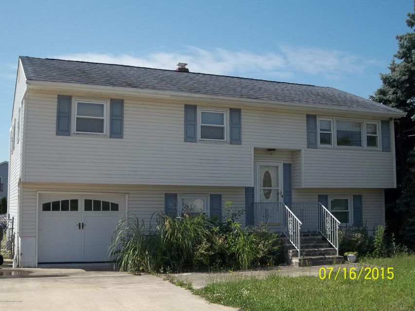 Single Family Home for Sale at 13 Kingston Avenue Toms River, New Jersey 08753 United States
